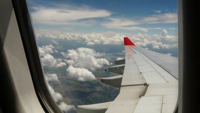 Hoch über den Wolken und über Brasilien.