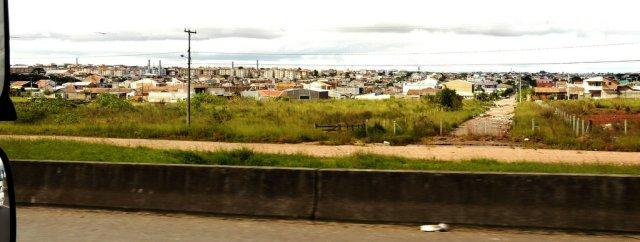 Die Vororte von Curitiba. Curitiba ist die Hauptstadt von Paraná, der Kornkammer Brasiliens und weltweites Exportland von Fleisch und Agrarprodukten, besonders Soja.