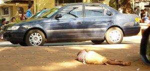 Paraguay ist heiß, billig und arm und so verzichten viele auf ein Haus und wohnen auf der Straße. Vielleicht auch gezwungenermaßen, ich weiß es nicht.